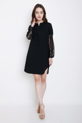 Dress with contrast lace at sleeves