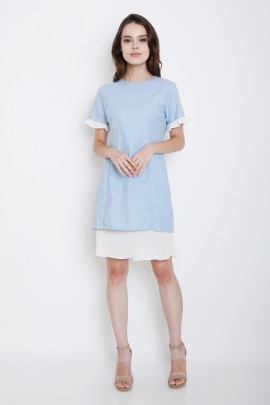 dress with 2-layers-effect