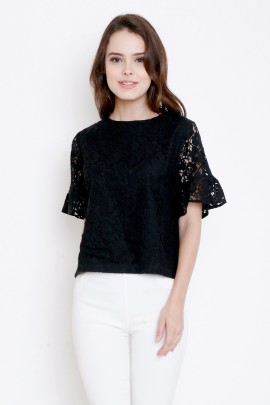 Lace top with frill at sleeves